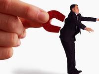 Каким образом продавец может способствовать развитию лояльности клиентов компании?