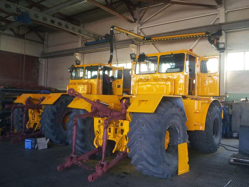 Цех по сборке тракторов